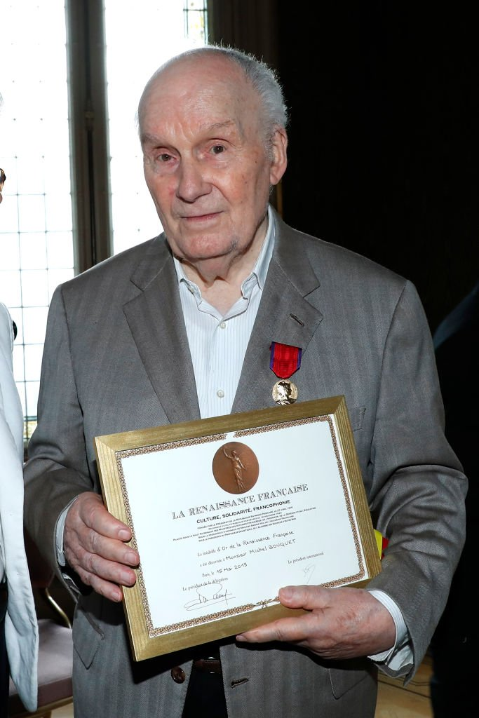 """Michel Bouquet receives the French Renaissance Gold Medal during the """"Parisian Thursdays of the French Renaissance"""". Held at the """"Fédération nationale André Maginot"""" France. 