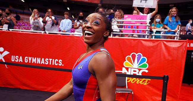 Simone Biles, Her Parents & Boyfriend Don Matching Outfits For New Olympic Games Photos