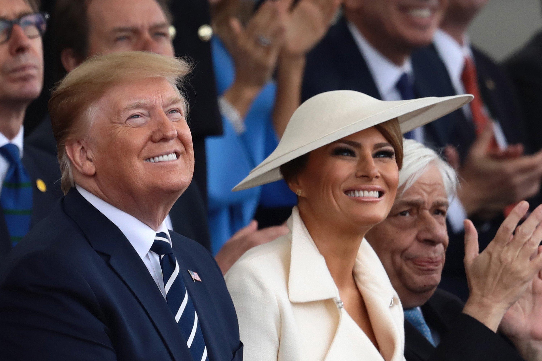El presidente Donald Trump y Melania Trump en Portsmouth para la conmemoración del séptimo D-Day. | Foto: Getty Images