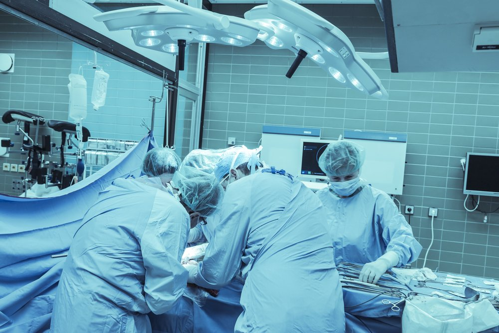 A photo of a surgical team performing a transplant.   Photo: Shutterstock
