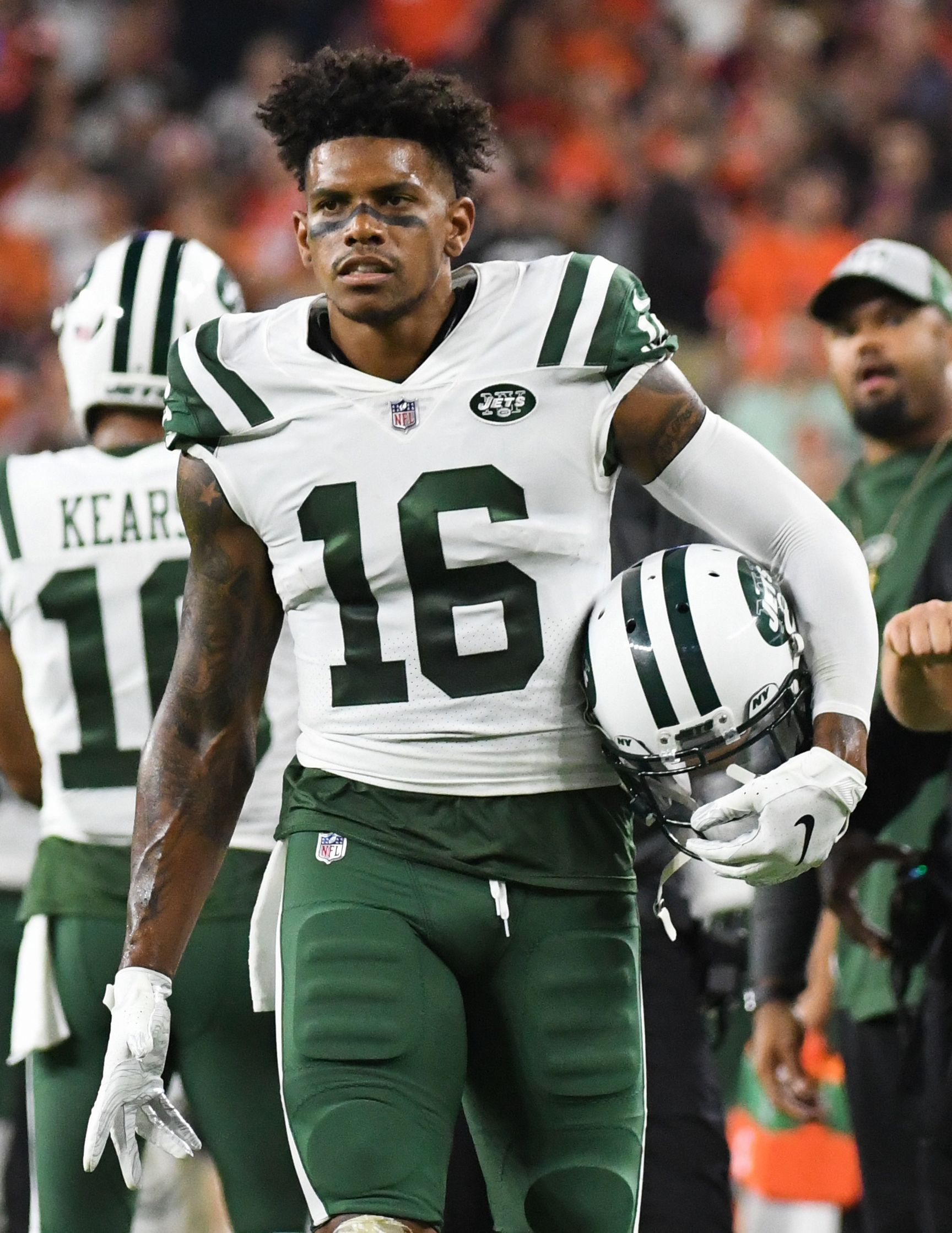 Terrelle Pryor #16 of the New York Jets greets teammates on the sidelines in a game against the Cleveland Browns on September 20, 2018 at FirstEnergy Stadium in Cleveland, Ohio. | Source: Getty Images
