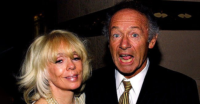 Joey Heatherton and Robert Elraboth at the El Capitan Theater on October 15, 2003 in Hollywood, California. | Photo: Getty Images