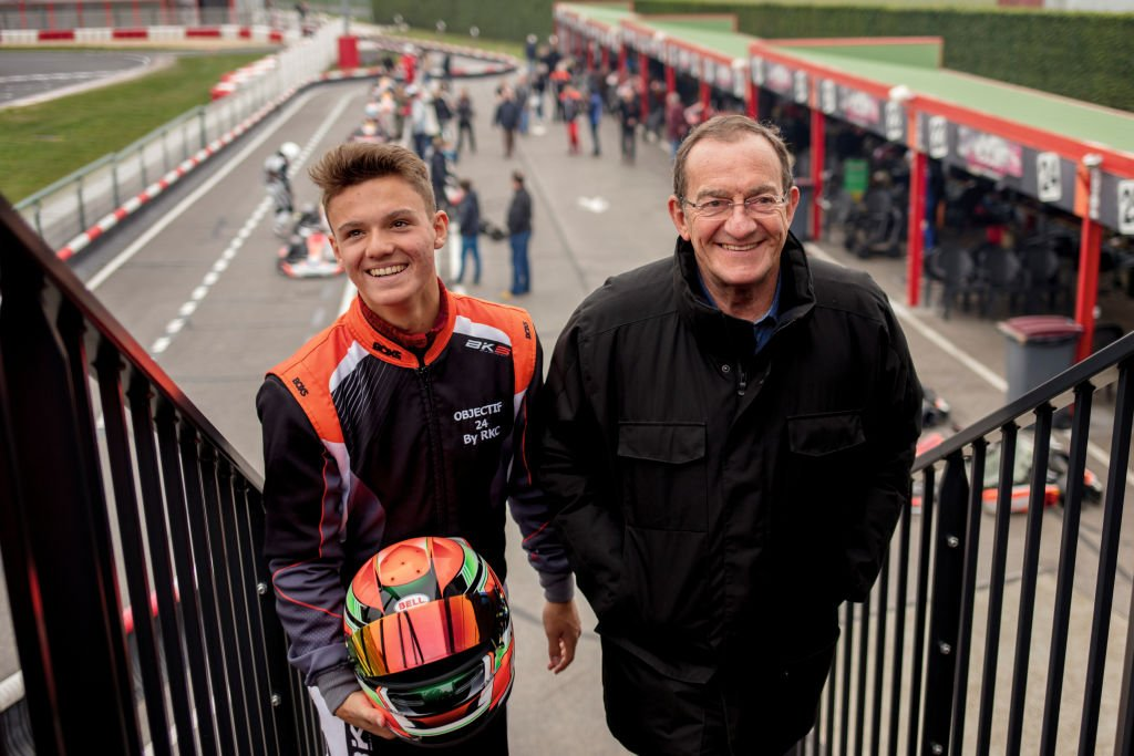 Le journaliste Jean-Pierre Pernaut et son fils Tom sont photographiés pour Paris Match au Racing Kart de Cormeilles (RKC) le 31 mars 2019 à Boissy L'Aillerie, France. | Photo : Getty Images
