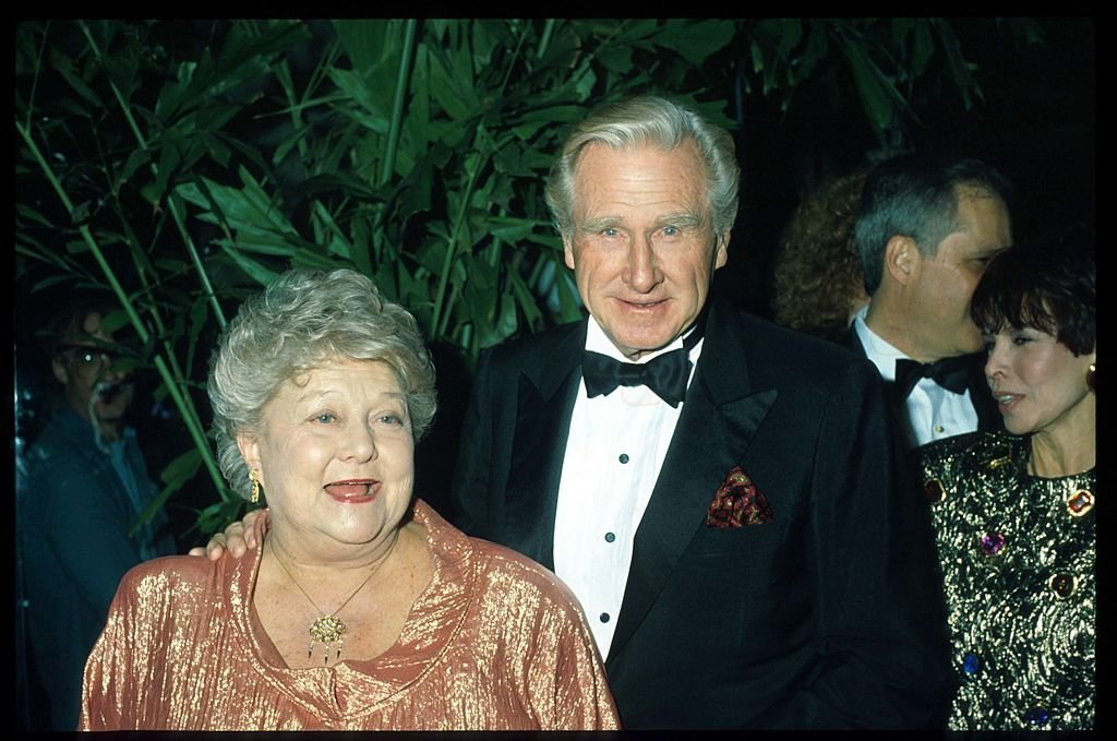 Lloyd Bridges and wife Dorothy pose at the 7th Annual American Cinema Awards January 27, 1990 | Photo: GettyImages