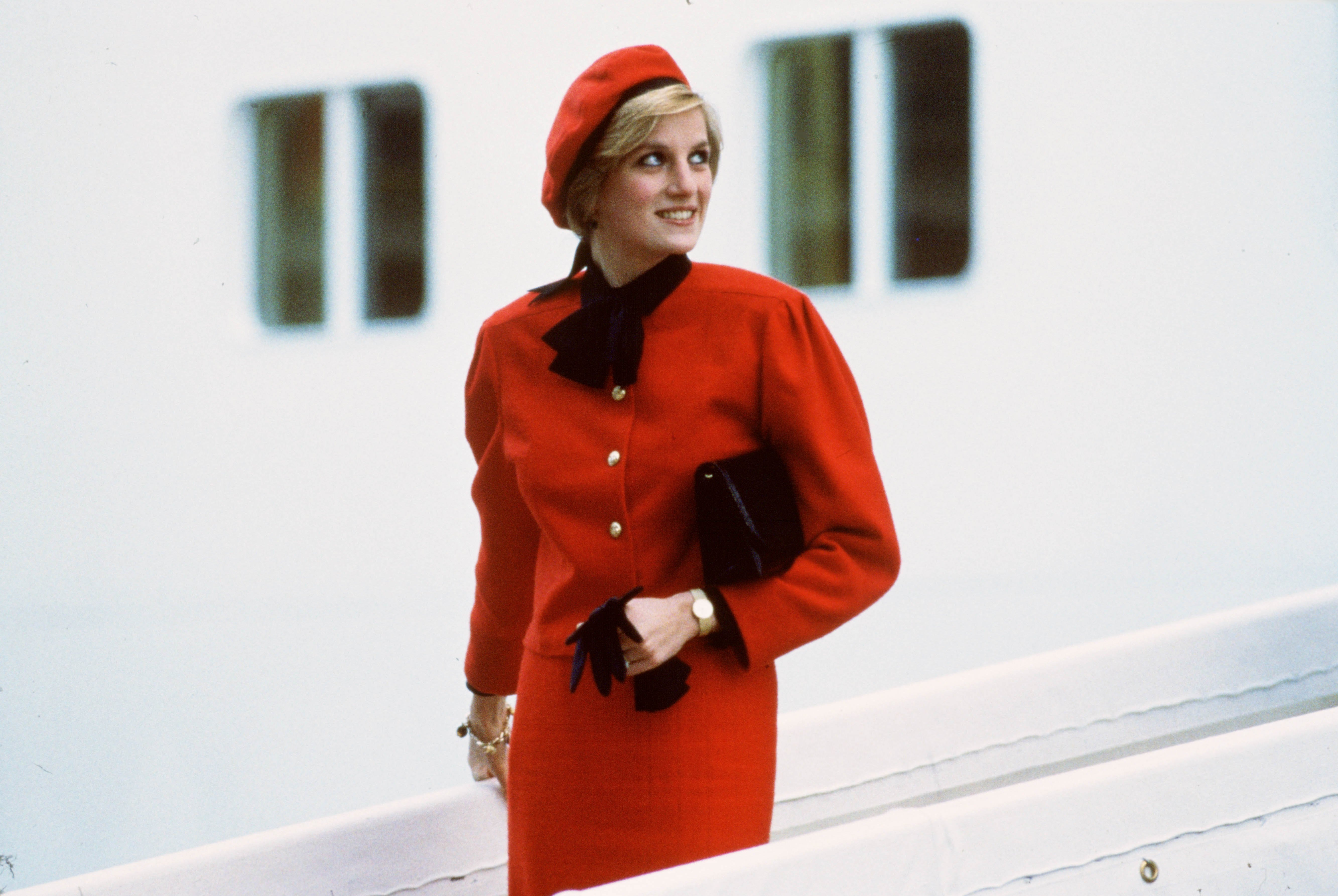 """Diana, Princess of Wales wears a charm bracelet aboard the new P&O cruise liner """"Royal Princess"""" 