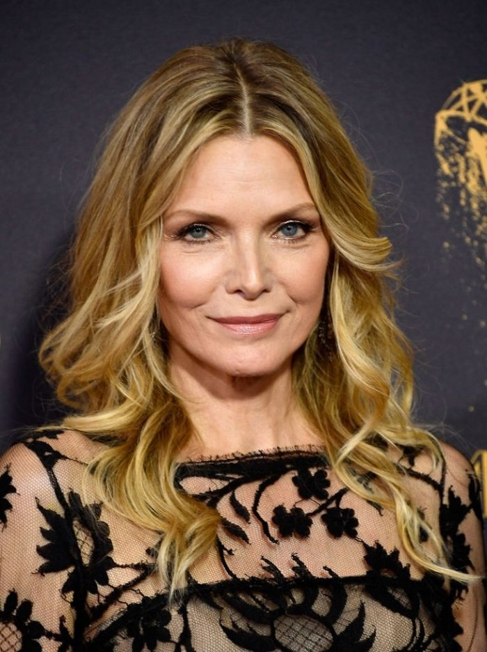 Michelle Pfeiffer on the red carpet at the 2017 Emmy Awards I Image: Getty Images
