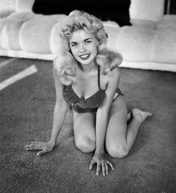 Jayne Mansfield in 1954 in Los Angeles, California in 1954 | Source: Getty Images