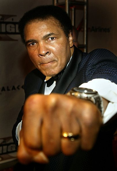 Muhammad Ali at Barrow Neurological Institute March 27, 2004 in Phoenix, Arizona. | Photo: Getty Images