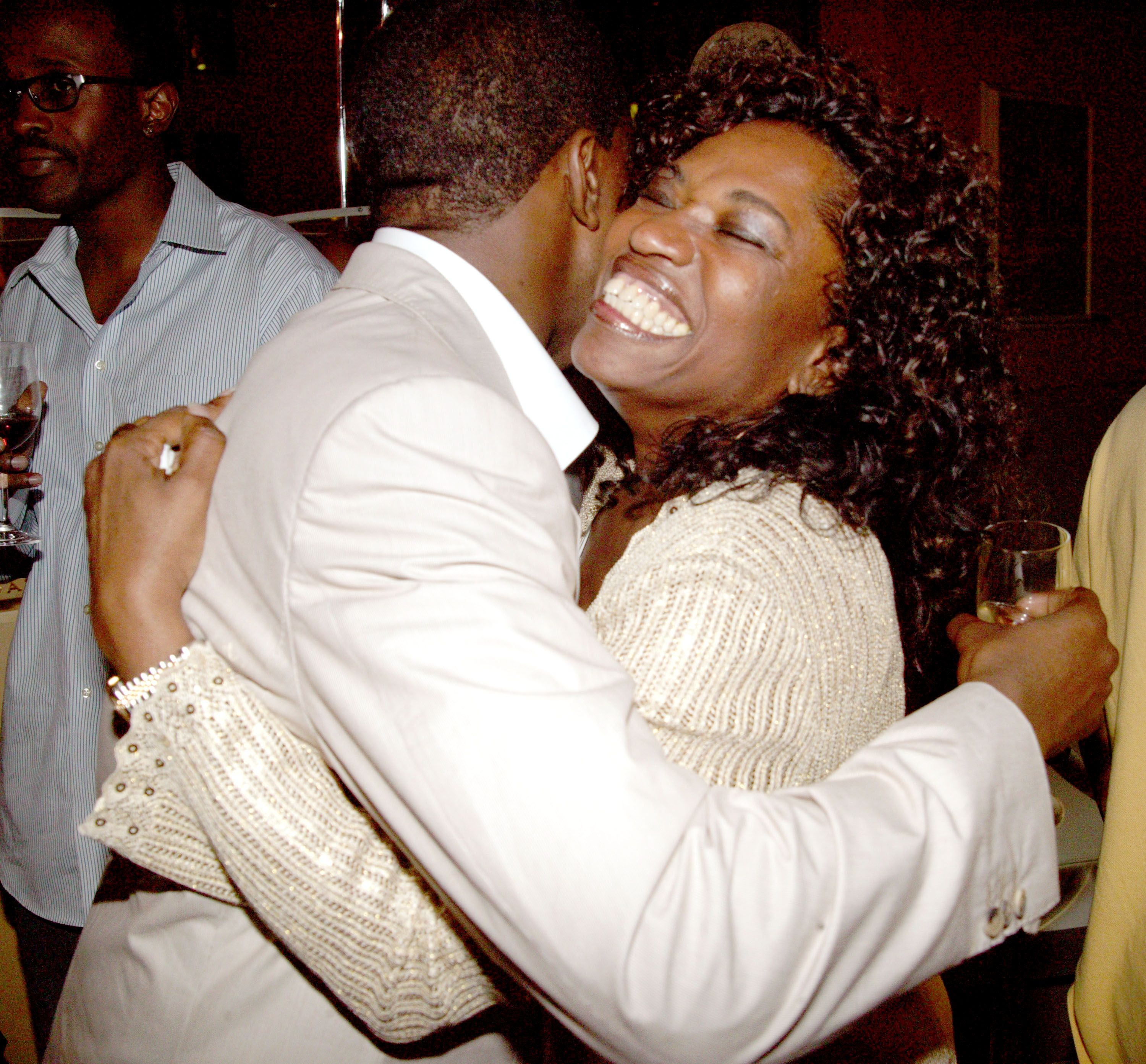 Kanye West and Donda West at his 28th birthday party in 2005 | Source: Getty Images