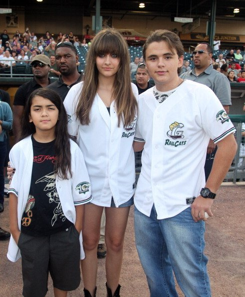 Prince Michael Jackson II, Paris Jackson and Prince Jackson attend the St. Paul Saints Vs. The Gary SouthShore RailCats baseball game at U.S. Steel Yard on August 30, 2012, in Gary, Indiana. | Source: Getty Images.