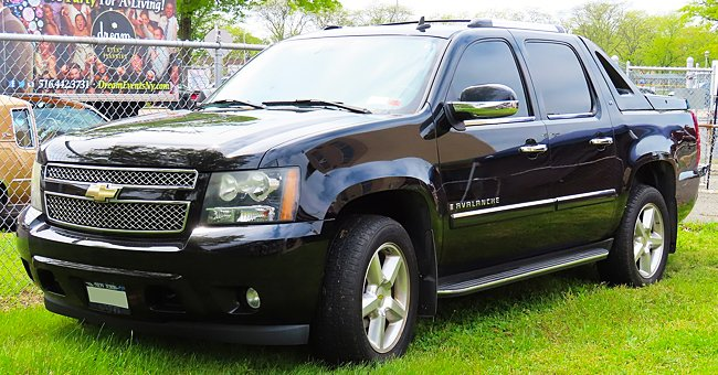 Daily Joke: 16-Year-Old Boy Bought a Chevrolet Avalanche for Only 15 Dollars