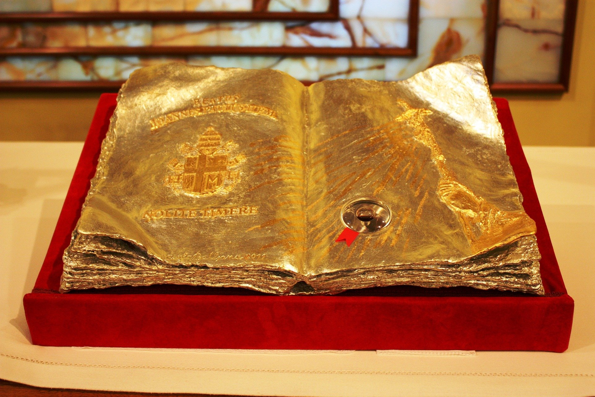 John Paul II relic. | Source: Pixabay.