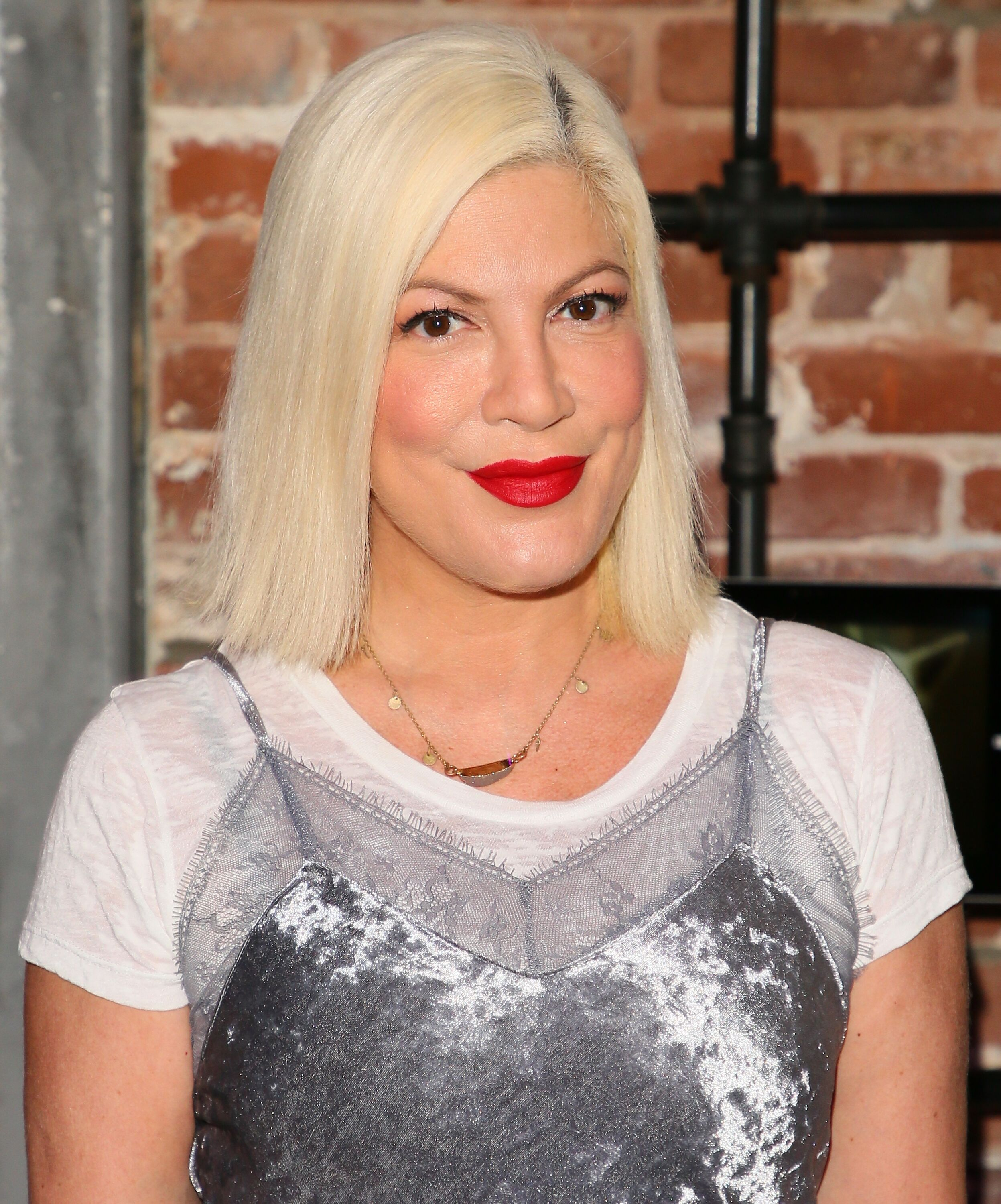 Tori Spelling at an Animal Rescue celebrity fundraiser event on October 07, 2017 in Venice, California.   Photo: Getty Images