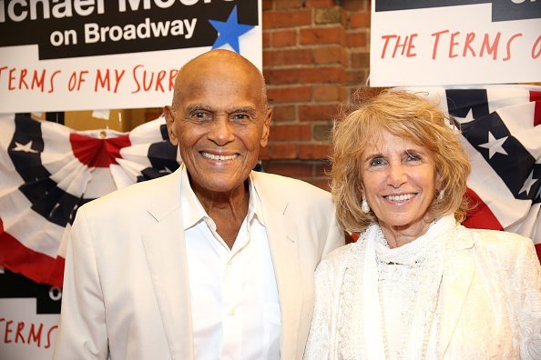 Harry Belafonte and Pamela Frank attend the Broadway Opening Night Performance for 'Michael Moore on Broadway' at the Belasco Theatre on August 10, 2017 | Photo: Getty Images