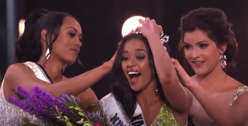 The crowning moment of Miss Teen USA 2018 on May 30, 2018 | Photo: youtube.com/MissTeenUSA