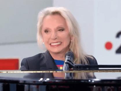Véronique Sanson de retour sur scène, elle reçoit une incroyable déclaration de Benoît Poelvoorde. | Youtube/Dernières news Télé
