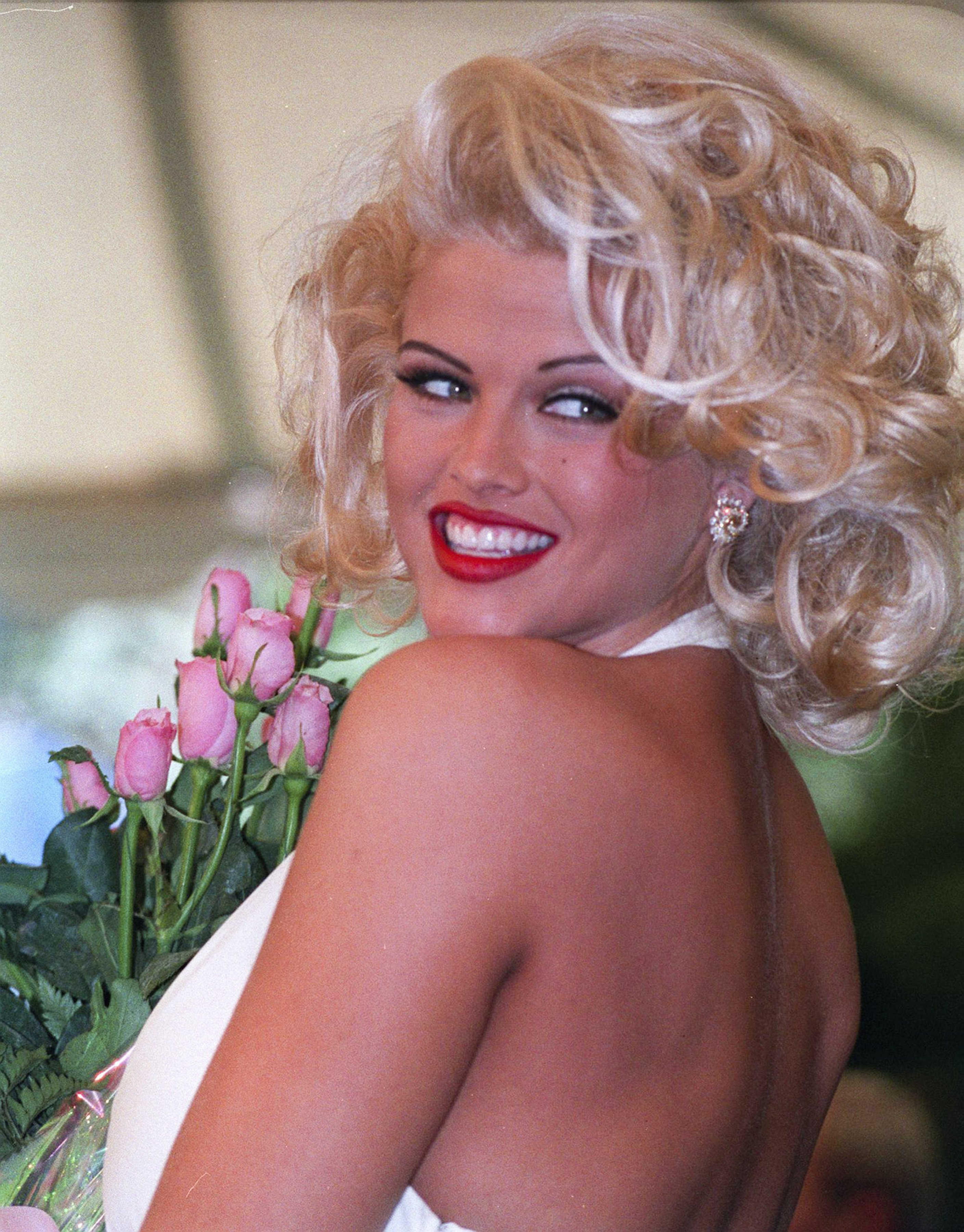 American model, actress  Anna Nicole Smith (1967 - 2007), circa 1990. | Source: Getty Images.