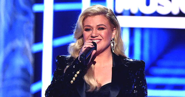 Kelly Clarkson's Impeccable Performance of the National Anthem Causes a Stir among Fans