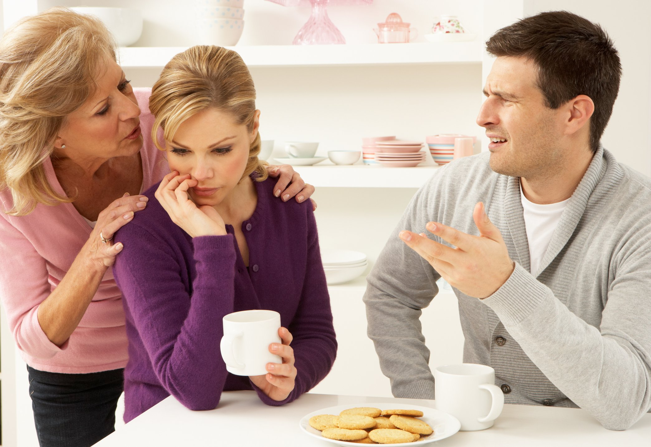 Man is enraged on seeing his mother trying to force her decision on his wife | Photo: Getty Images