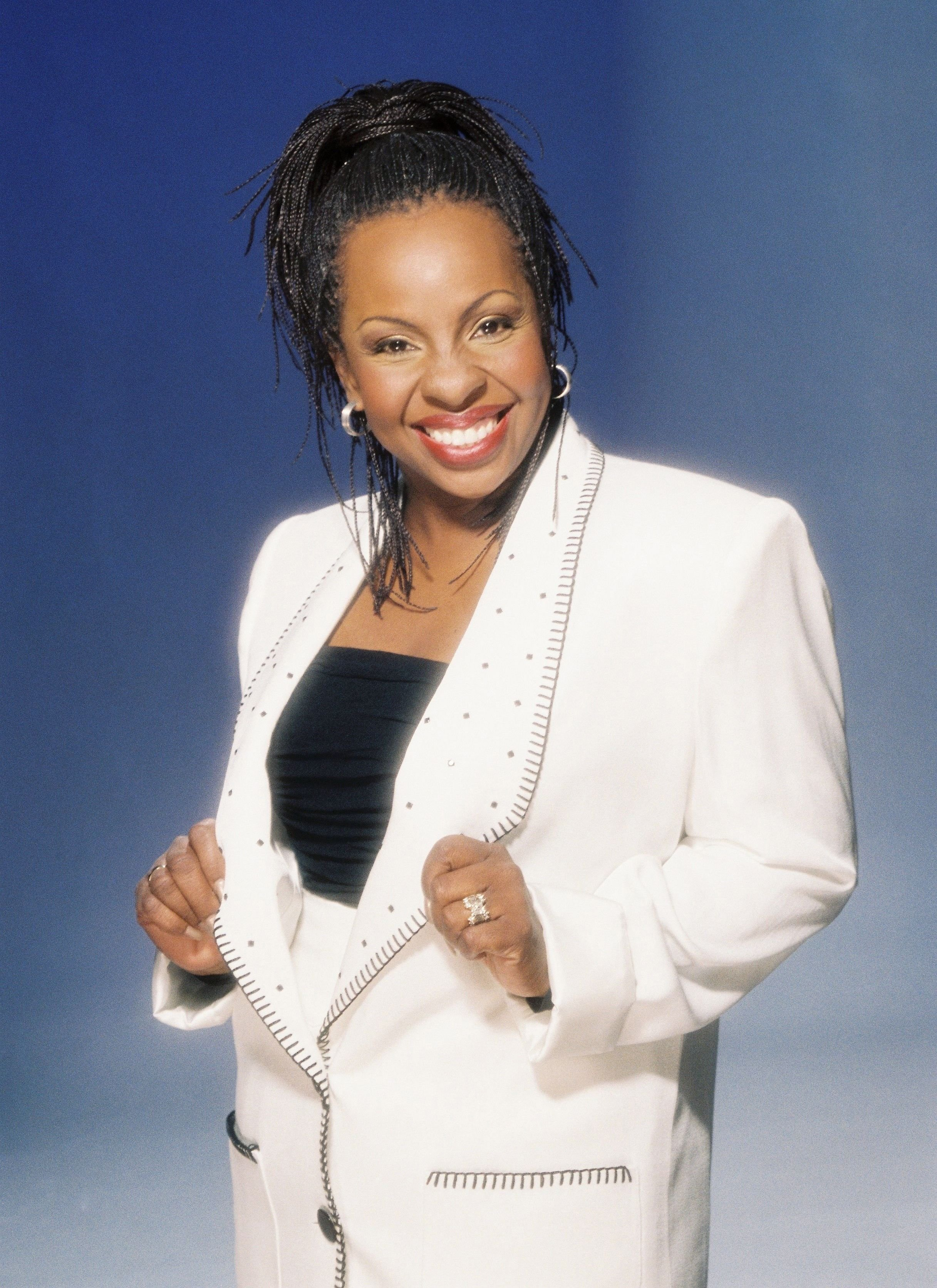 Gladys Knight smiles for a portrait in 1996 in Los Angeles, California. | Source: Getty Images