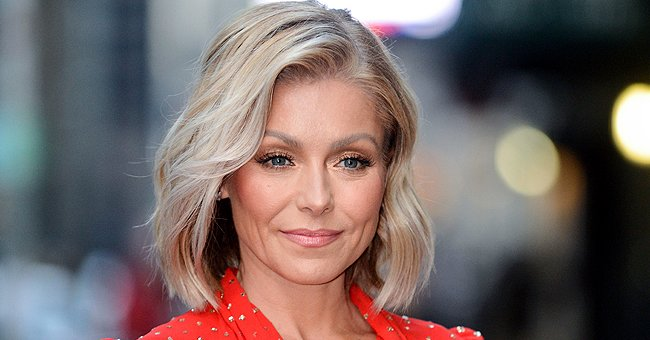 Kelly Ripa Posts 2020 Calendar Meme with a Twist – Check Out the Progress of Her Gray Roots