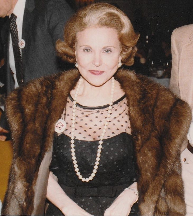 Eppie Lederer, known as Ann Landers in Chicago, 1983 | Source: Wikimedia Commons