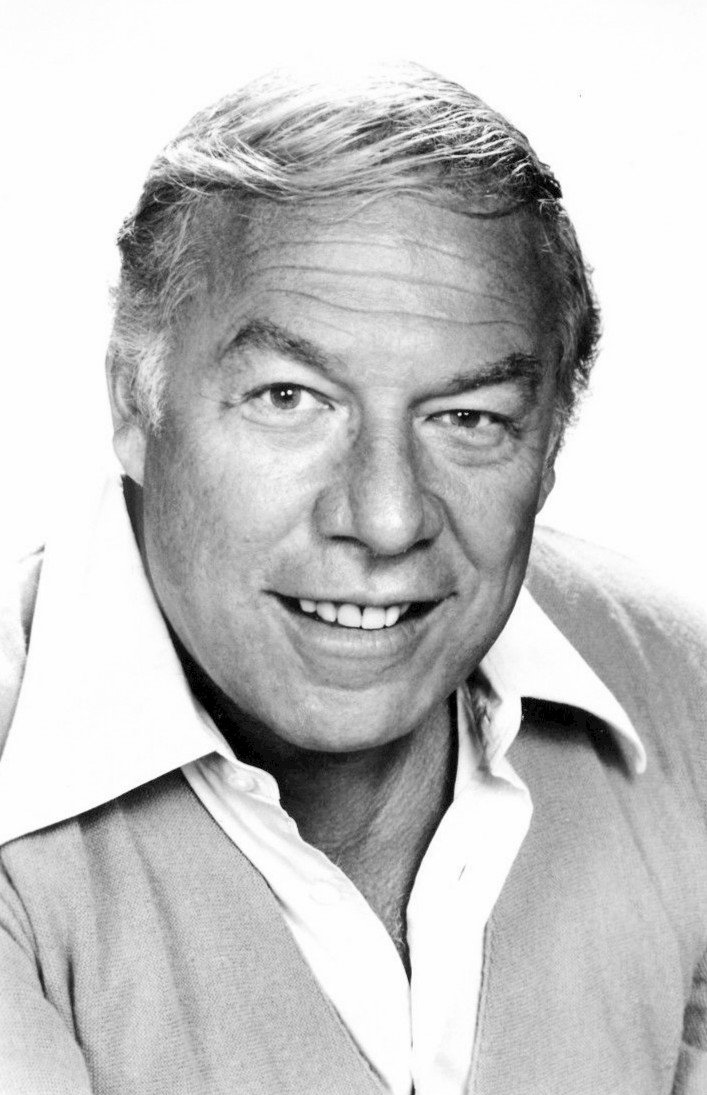 George Kennedy. | Source: Wikimedia Commons