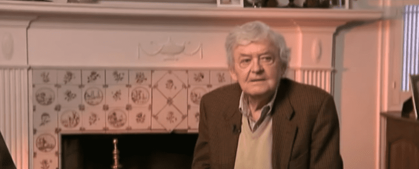 Photo of Hal Holbrook during an interview | Photo: Youtube / ABC7
