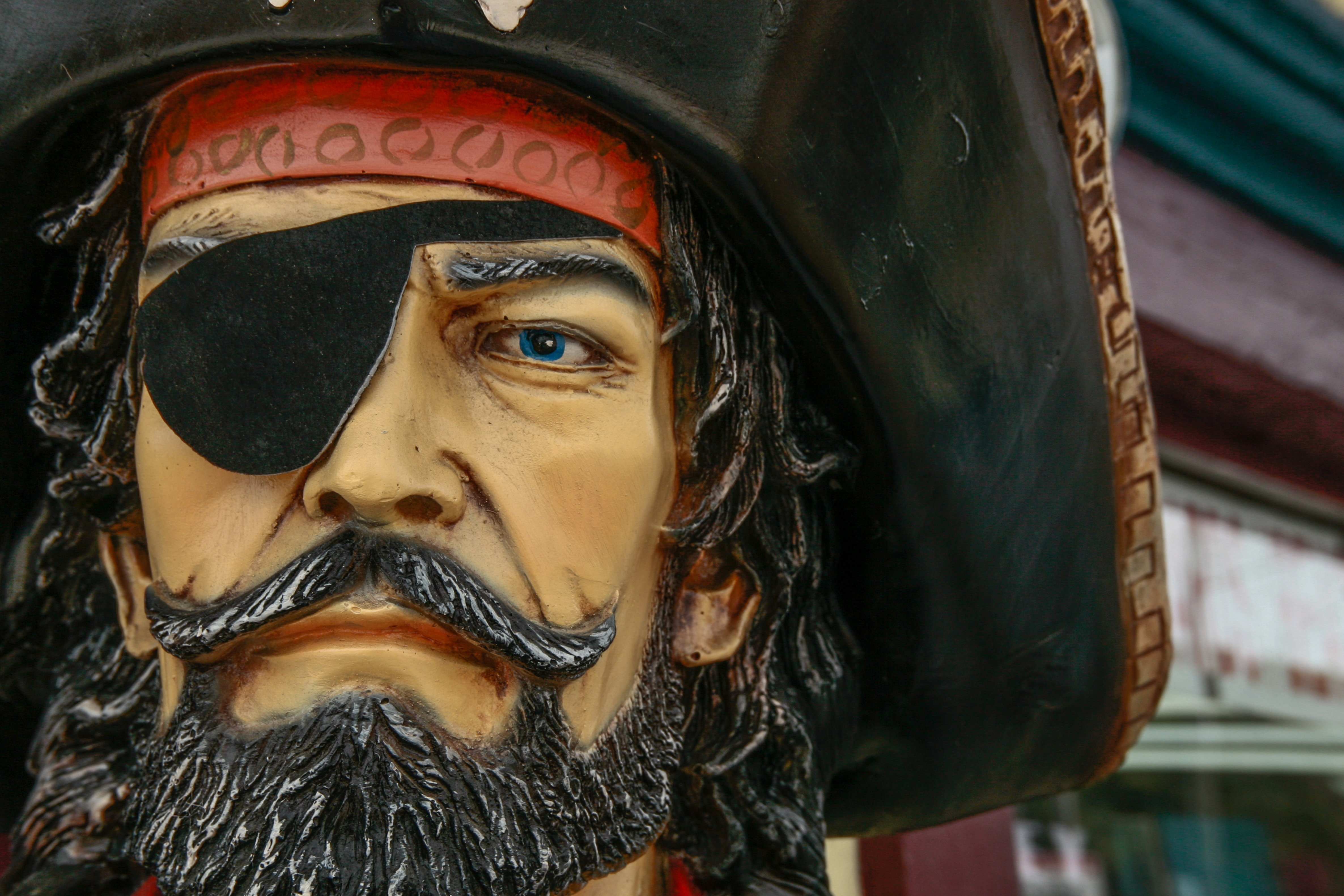 A pirate statue with an eye-patch| Source: Unsplash.com