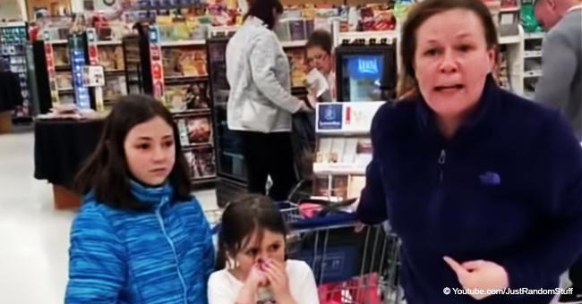 Une femme crache et insulte violemment un homme noir dans un supermarché mais son acte raciste lui coûte son emploi