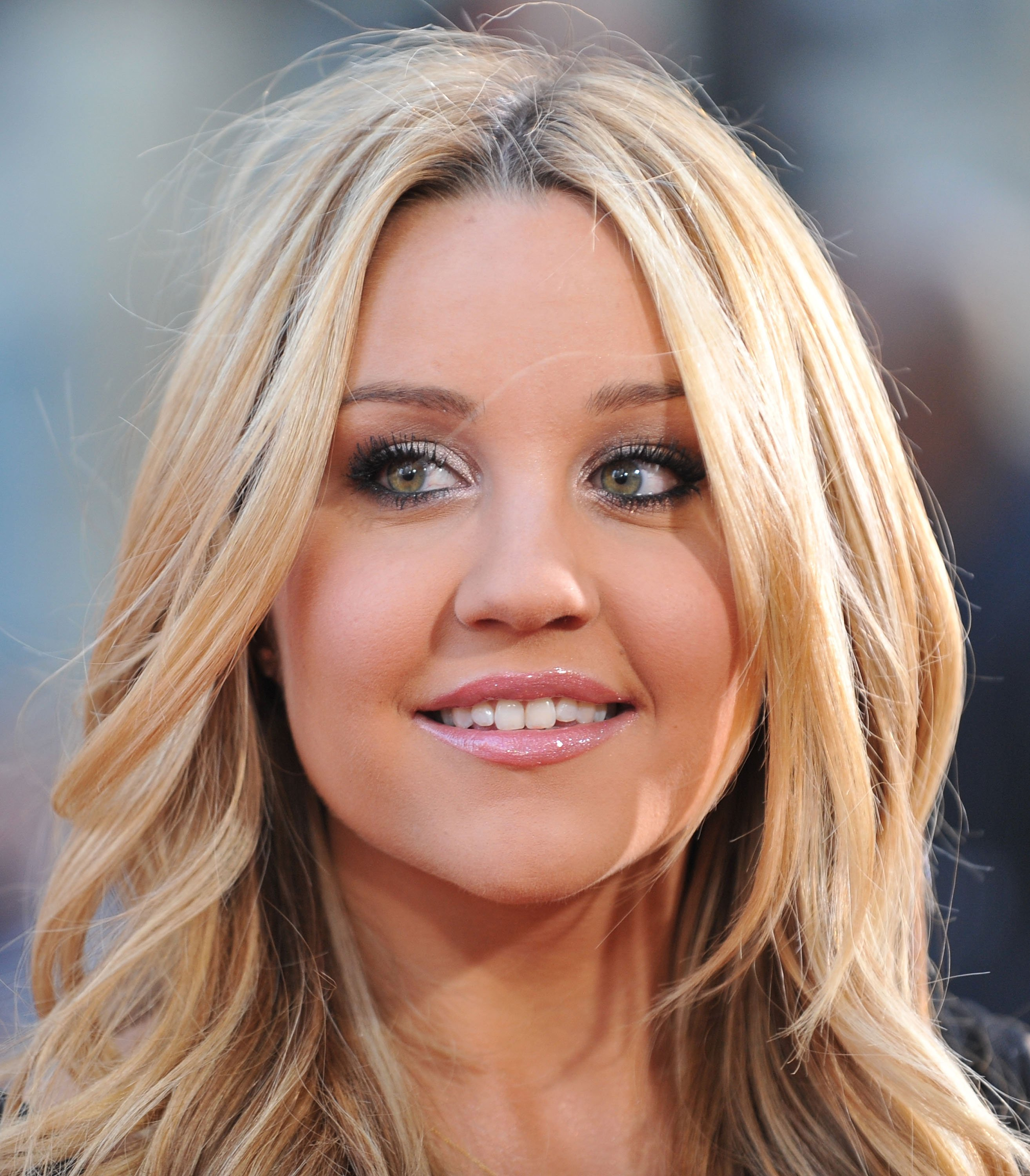 """Amanda Bynes attends the LA premiere of """"17 Again"""", 2009   Photo: Getty Images"""