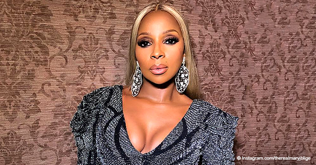 Mary J. Blige Looks Magnificent in Plunging Metallic Gown after Receiving an Award from NAN