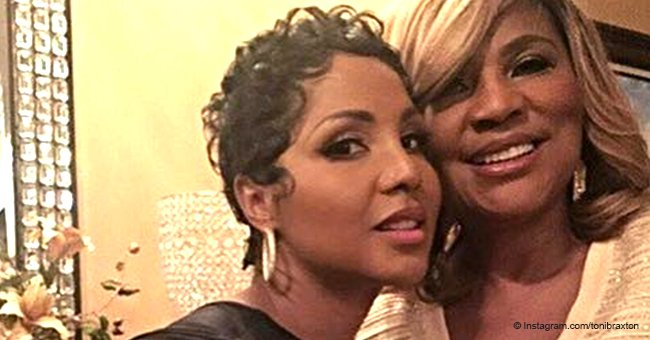 Toni Braxton's mom Evelyn poses with her daughter in recent pic after major weight loss