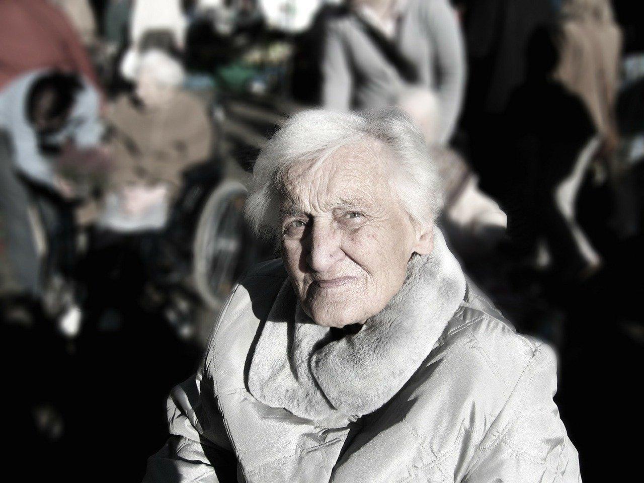 Une femme atteinte de démence.   Photo: Pixabay