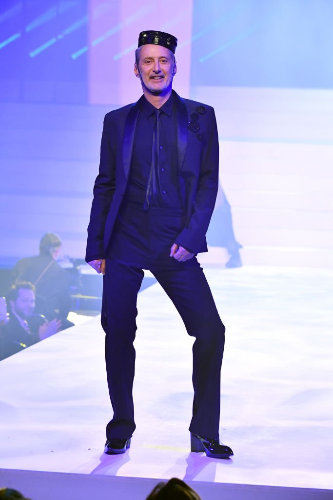 Antoine de Caunes le 22 janvier 2020 à la Fashion Week de Paris. l Source : Getty Images