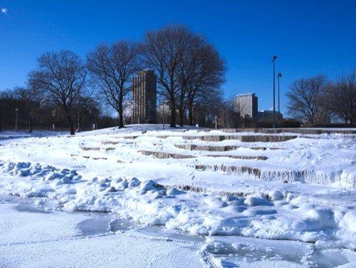 Le Lac Michigan gelé lors d'un vortex polaire à Chicago, Illinois, en janvier 2019.   Photo: Shutterstock