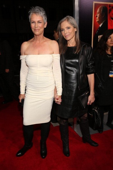 """Jamie Lee Curtis (L) and sister Kelly Lee Curtis arrive at the premiere of Fox Searchlight Pictures' """"Hitchcock"""" at the Academy of Motion Picture Arts and Sciences Samuel Goldwyn Theater on November 20, 2012, in Beverly Hills, California. 