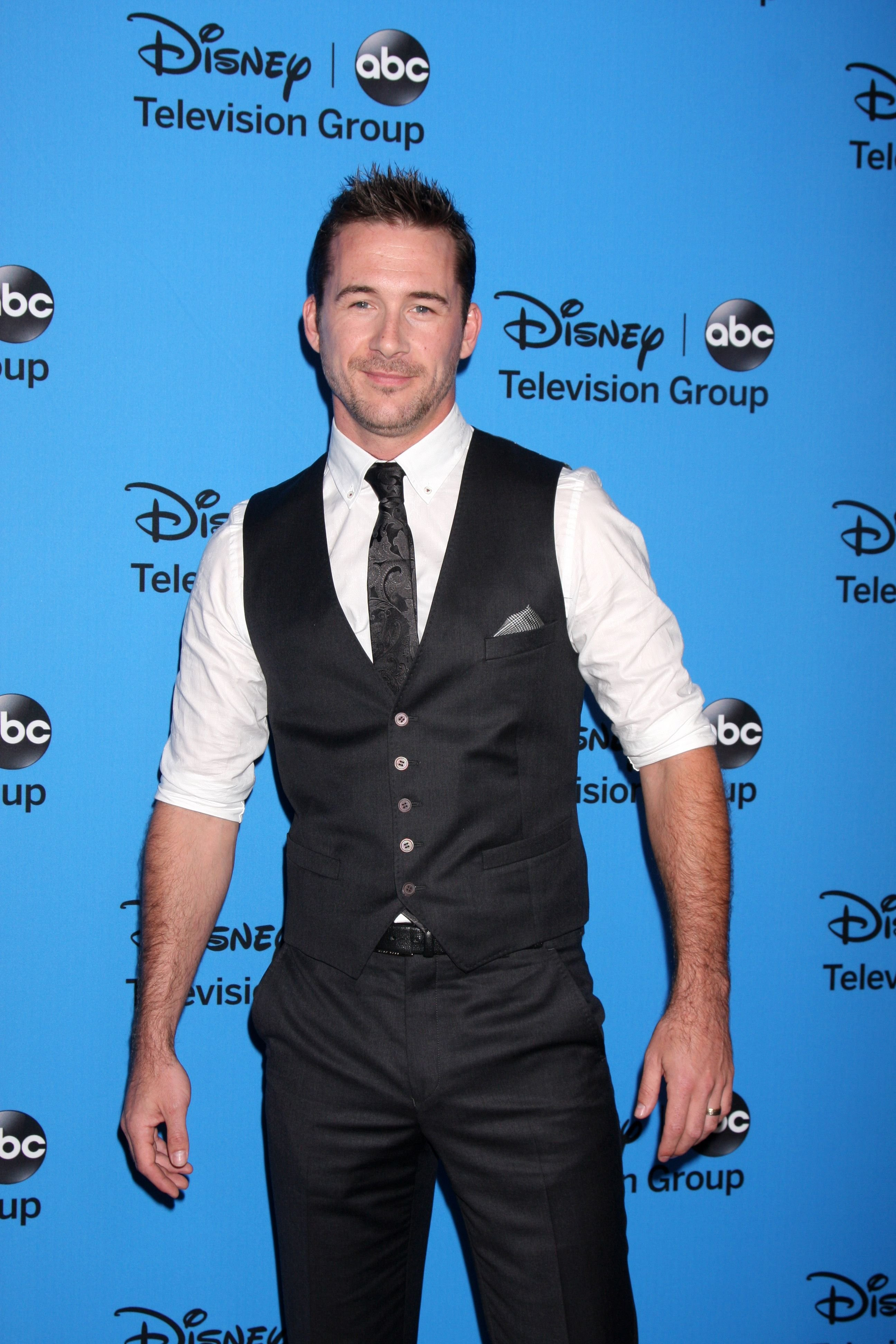 Barry Sloane arrives at the ABC Summer 2013 TCA Party at the Beverly Hilton Hotel on August 4, 2013 in Beverly Hills, CA. | Source: Shutterstock