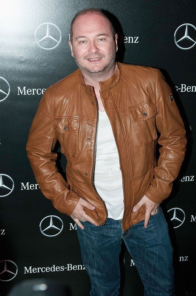 Sébastien Cauet assiste à l'ouverture du Pop-Up Store Mercedes Benz sur les Champs Elysées le 11 mars 2014 à Paris, France. | Photo : Getty Images.