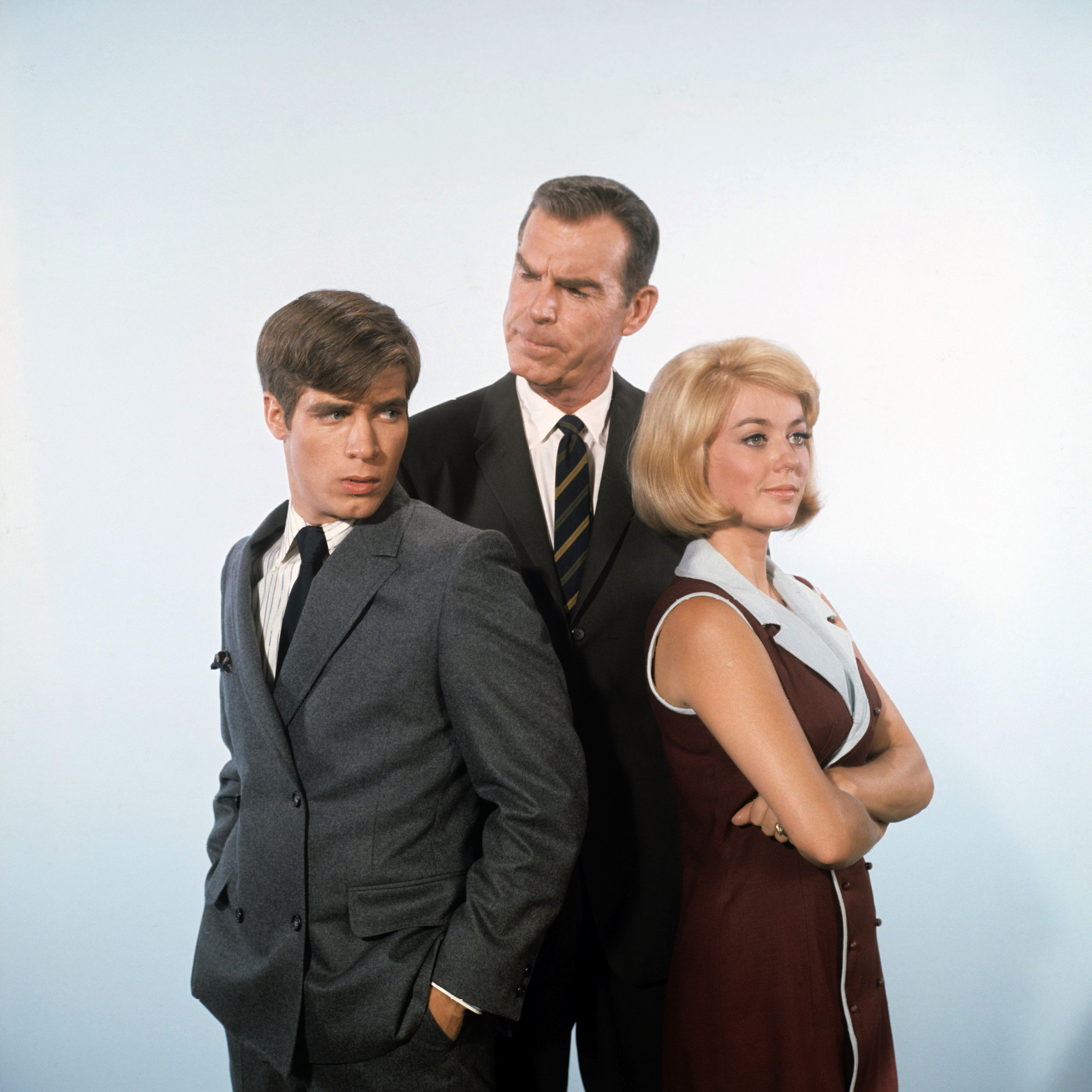 """Don Grady, Fred MacMurray, Tina Cole pose for """"My Three Sons"""" photocall on September 4, 1968. 