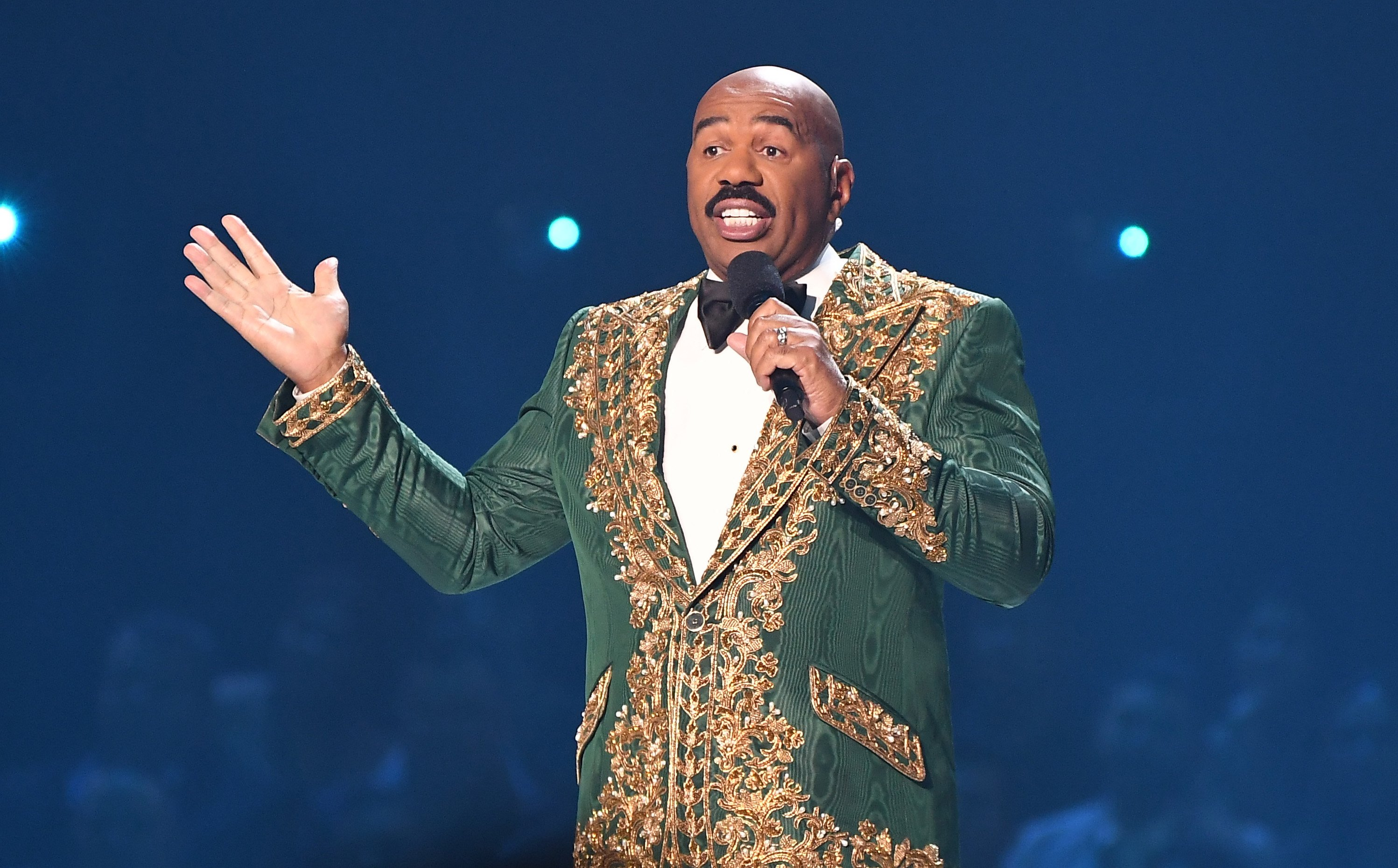 Steve Harvey speaking at the 2019 Miss Universe Pageant at Tyler Perry Studios on December 08, 2019 in Atlanta, Georgia.|Source: Getty Images