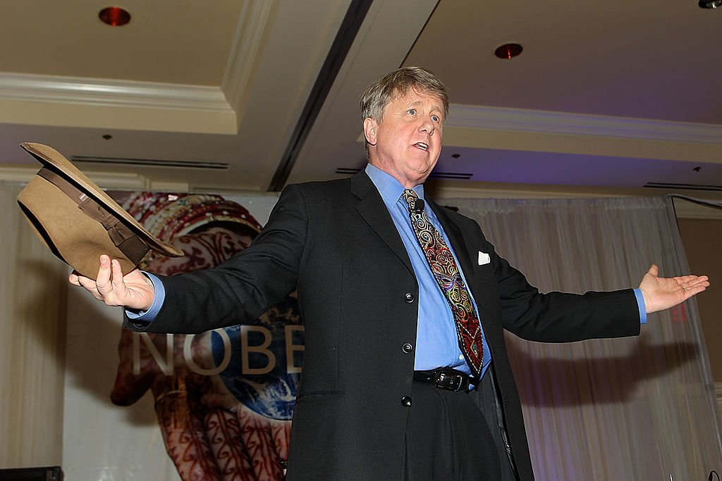 Harry Anderson performs during The Nobelity Project Dinner, April 2011   Source: Getty Images