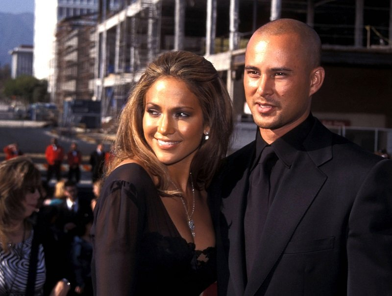 Jennifer Lopez and Cris Judd on April 22, 2001 in Pasadena, California | Photo: Getty Images