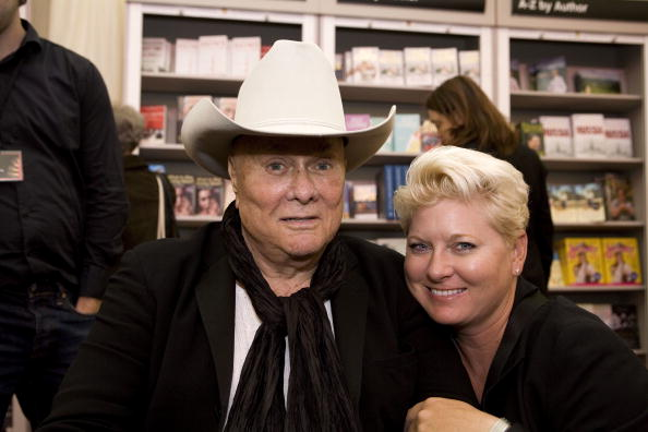 Tony Curtis and Jill Curtis at the Times Cheltenham Literature Festival on October 11, 2008 in Cheltenham, England | Photo: Getty Images