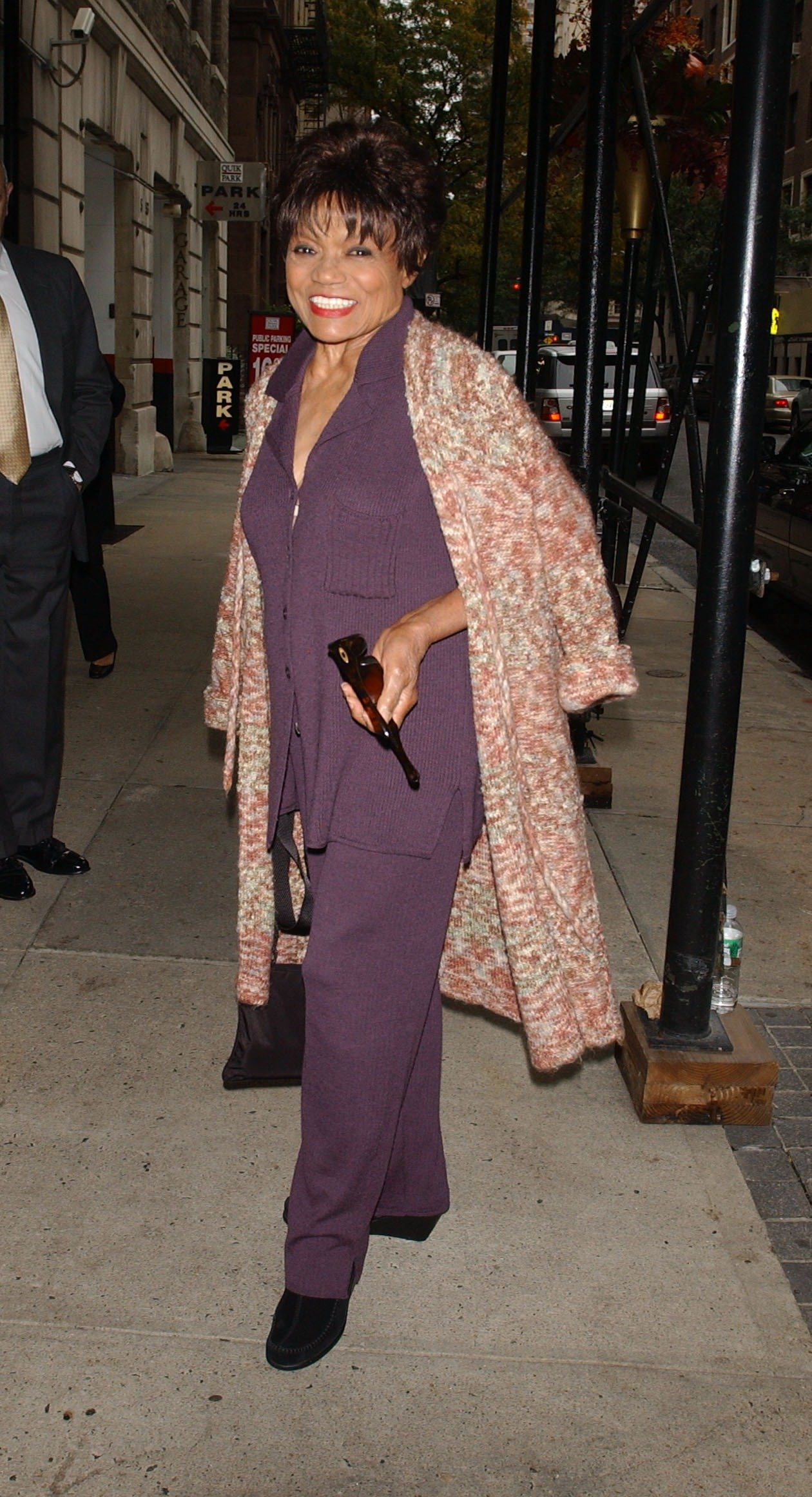 Eartha Kitt poses on Madison Avenue on October 24, 2007 in New York City   Photo: Getty Images