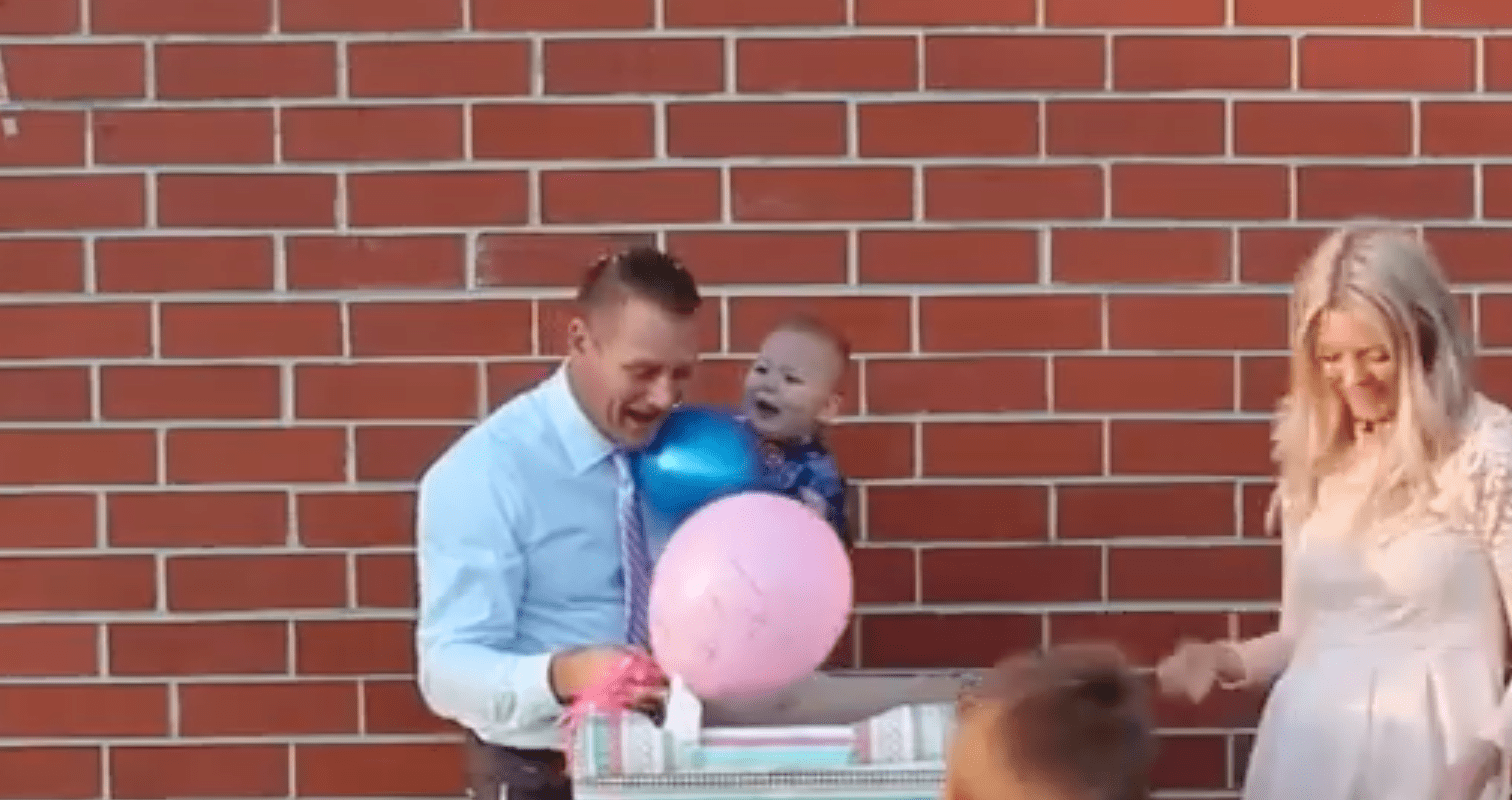 Mother surprises husband at gender reveal party   Photo: Facebook/Love What Matters