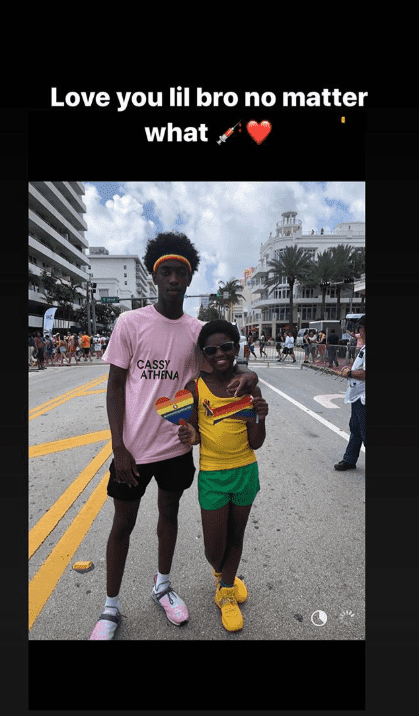 Zion Wade's older brother Zaire expressing his love for him during the Miami Beach Gay Pride event | Source: Getty Images/GlobalImagesUkraine