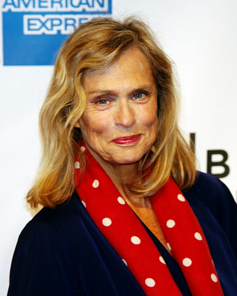 Lauren Hutton attending the premiere of The Union at the Tribeca Film Festival. | Source: Wikimedia Commons