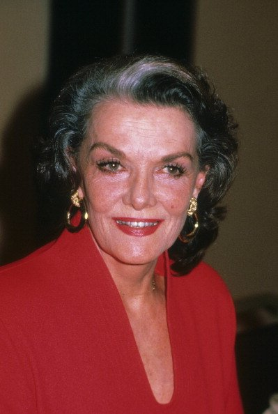 Jane Russell poses for a portrait in August 1987 in Los Angeles, California. | Photo: Getty Images