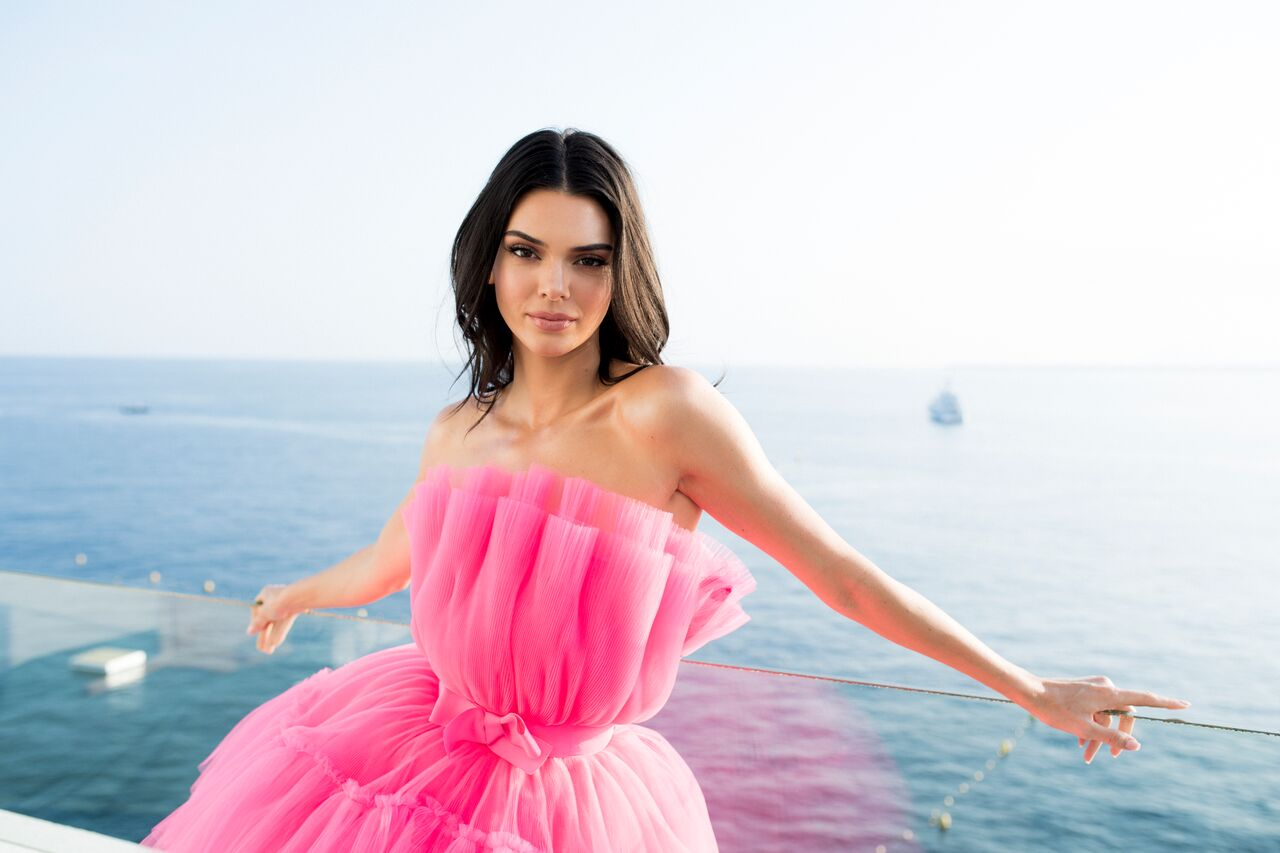 Kendall Jenner poses for portraits during the amfAR Cannes Gala 2019. | Source: Getty Images